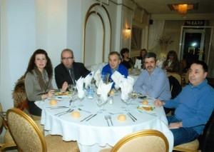 Στο ίδιο τραπέζι οι ιατροί κ.κ.Ζαχαρόπουλος Αχιλλέας,Μπίντας Σταύρος και ο κ. Σιγανός Σωτήριος με τη σύζυγό του.