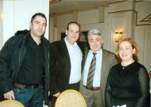Ο Αντιπρόεδρος κ. Ξυλούρης Νικόλαος και ο Γραμματέας του Ιατρικού Συλλόγου κ. Τσανικίδης Ηρακλής με τον ιατρό κ. Χριστογιάννη Δημήτριο και την παιδίατρο Τσανικίδου Πελαγία